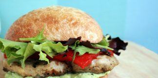 grilled chicken sandwich Calories