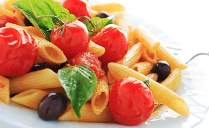 healthy eating while dinning at italian restaurant